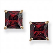 9ct Gold Princess Cut Garnet Stud Earrings 0.75g